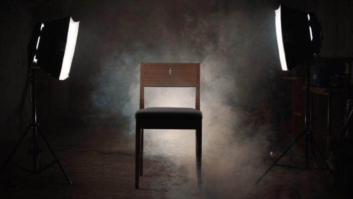 Kaufen Sie den ZOE-Kirchenstuhl aus Eichenholz